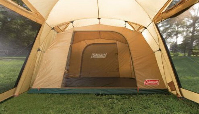 寝室も広々したテント