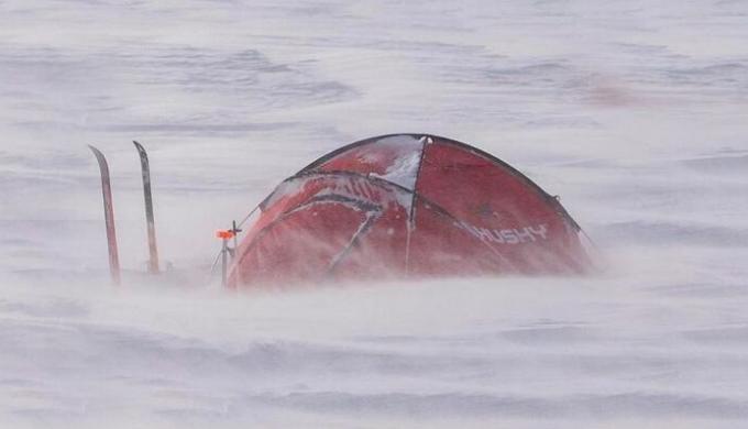 耐久性のあるテント