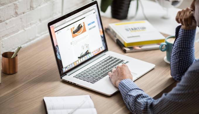 ビジネス向けノートパソコンのおすすめランキング10選