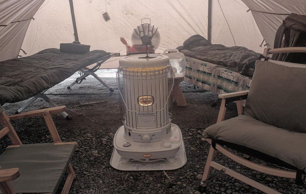 冬のキャンプに石油ストーブがおすすめな理由